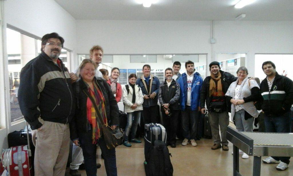 Delegados a punto de embarcarse en el avión que salió desde Asunción hacia la ciudad de Franckfurt. Foto Renate Lust