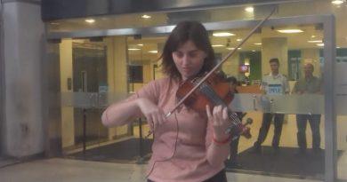 """""""El arte callejero no es delito"""", así defendieron a joven IERPina que tocaba violín en la peatonal"""