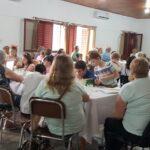 Los niños y adultos mayores de Ramirez conversaron sobre los medios de transporte de cada época