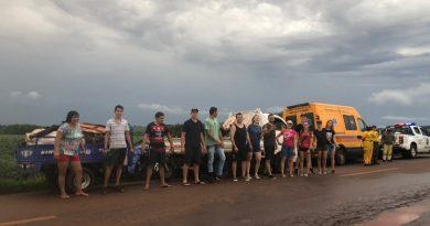 Jóvenes IERPinos limpian 7 kilómetros de una ruta en Paraguay