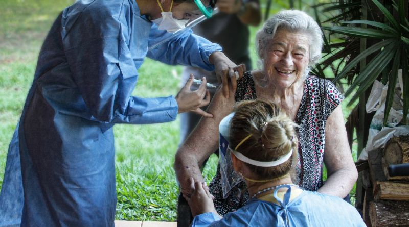 «Nos alienta y fortalece»: vacunación en el Hogar San Juan
